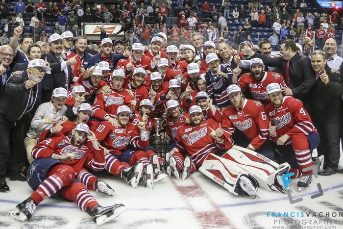 Oshawa Generals players celebrate as they are crowned Memorial Cup champions in Quebec City  on Sunday May 31, 2015. Francis Vachon/Postmedia Network