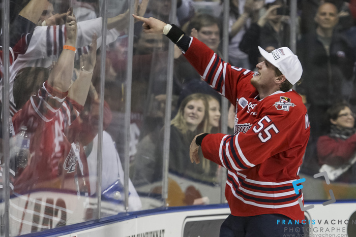 Oshawa Generals' Michael McCarron points the crowd as he celebrates winning the Memorial Cup final against the Kelowna Rockets in Quebec City on Sunday May 31, 2015. Francis Vachon/Postmedia Network