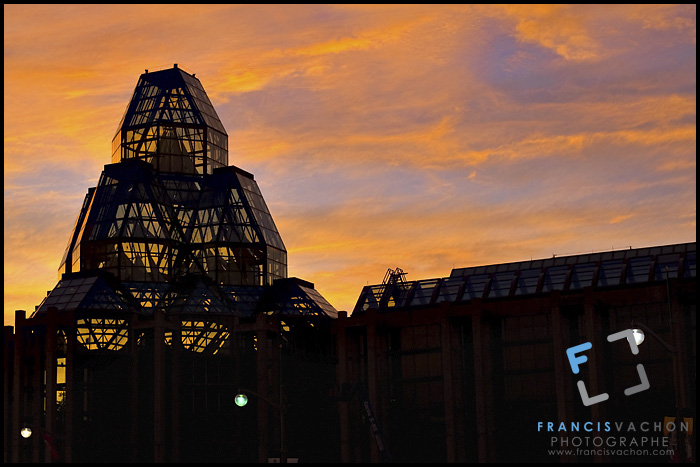 Sun sets on the National Gallery of Canada in Ottawa Wednesday September 29, 2010. Designed by Moshe Safdie, the National Gallery of Canada (French: Musee des beaux arts du Canada), located in the capital city Ottawa, Ontario, is one of Canada's premier art galleries.
